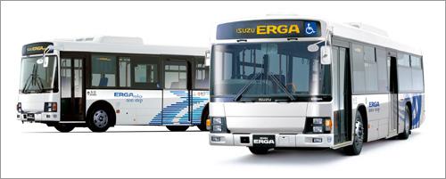 いすゞの新型「エルガ」(右)と「エルガミオ」