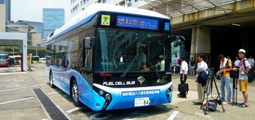 都交通局 燃料電池バス80台 2021年度までに導入