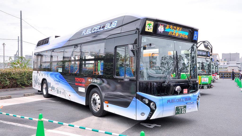 都バスS-B102深川営業所 トヨタFCバス(燃料電池バス)。
