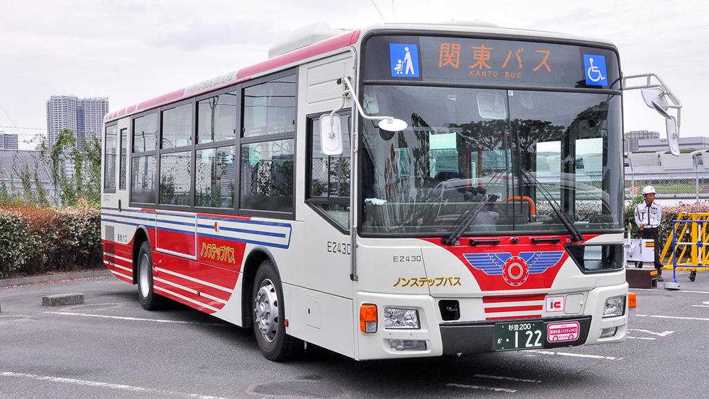 関東バスE2430五日市街道営業所 三菱ふそうエアロスターQKG-MP38FK。